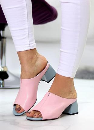 Шлепки на каблуке