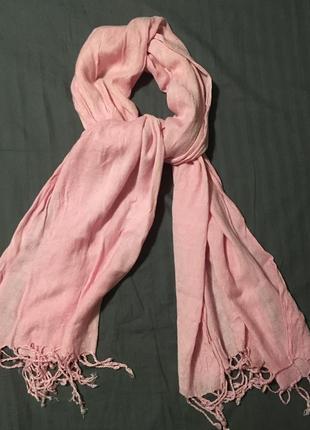 Нежно розовый шарф шарфик шаль