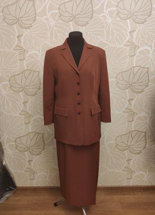 Женский деловой терракотовый костюм