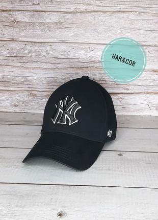Бейсболка чёрная New York Yankees