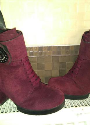 Сапоги на каблуках зимние