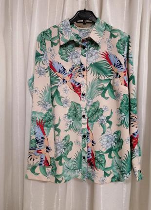 Блуза рубашка  гавайка с попугаями  в тропический принт пальмо...