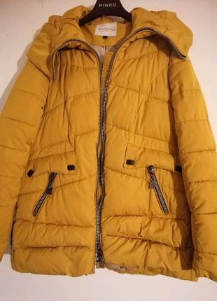 Куртка зимова . Жовта . Гірчичний колір .