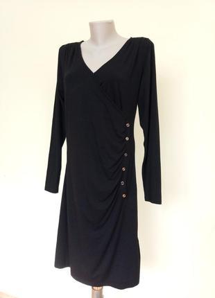 Базовое трикотажное черное платье