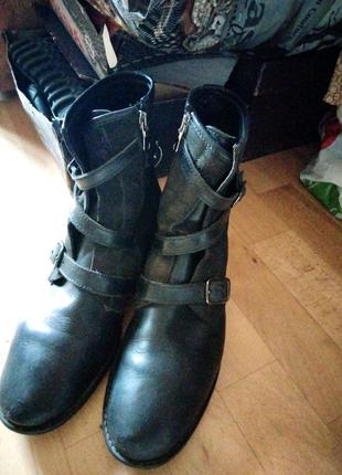 Стильные мужские кожаные сапоги