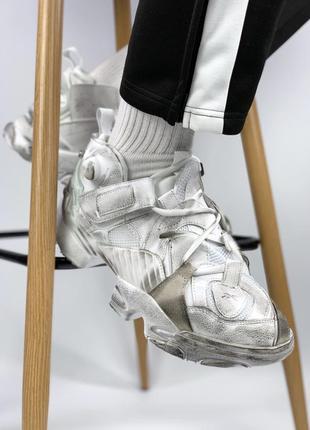 Тренд 2019 года! мужские кроссовки vetements x reebok genetica...