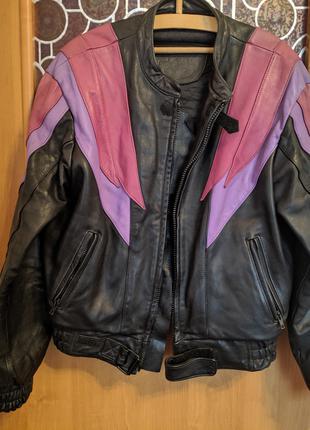 Кожаная куртка байкера