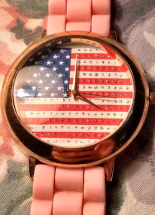 Продам женские кварцевые часы