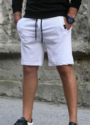 Стильные мужские шорты / спортивные шорты