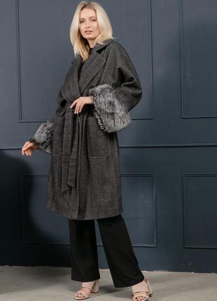Люкс! элегантное  пальто с натуральным мехом чернобурки