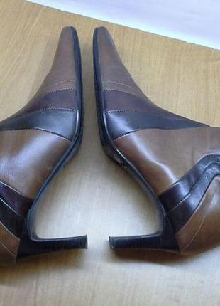Женские короткие сапоги полусапоги полусапожки на каблуке clar...