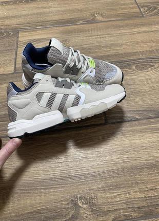Женские кроссовки Adidas ZX Torsion