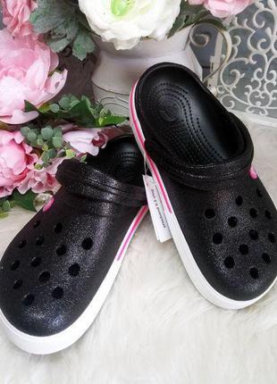 Кроксы с блестками черные, женские сабо crocs блестящие.