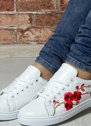 Женские кроссовки Сакура, кеды с вышивкой, белые