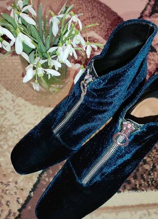 Бархатные удобные ботинки от Zara