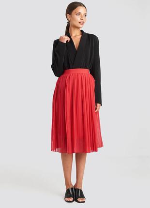 Яркая красная новая юбка-плиссе миди от na-kd шифоновая плисси...