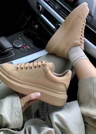 Шикарные женские кроссовки alexander mcqueen  matt beige 😍 (весна