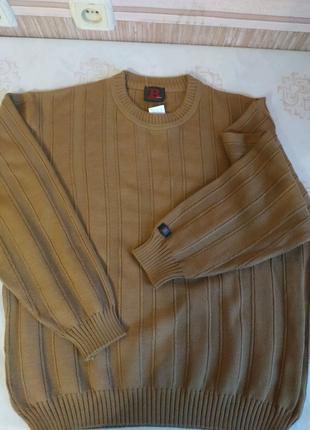 Красивый и качественный,новый мужской свитер