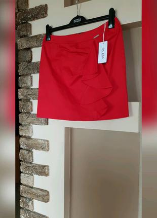 Брендовая мини юбка Guess. Оригинал. Новая Размер Xs. Красная.