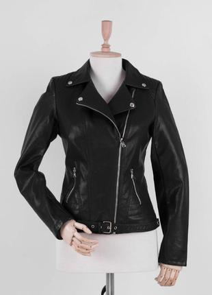 Женская чёрная куртка косуха кожаная