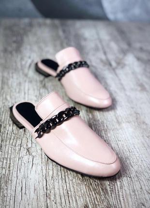 Мюли/туфли с оригинальной фурнитурой.