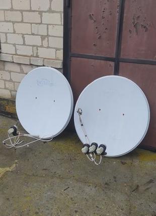 Антенна спутниковая с головками + тюнер