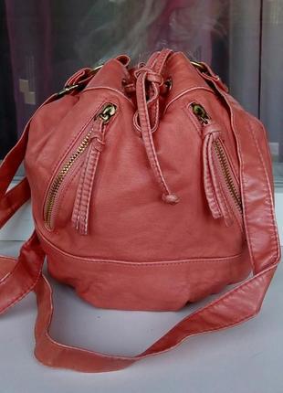 Стильная сумка-мешок atmosphere.