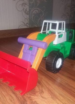 Игрушечний трактор грейдер