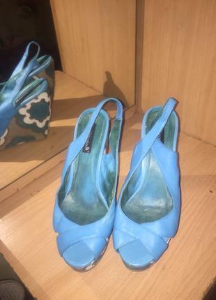Босоножки , туфли