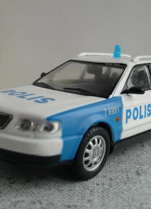 Audi A6 Avant 1:43 полиция Швеции