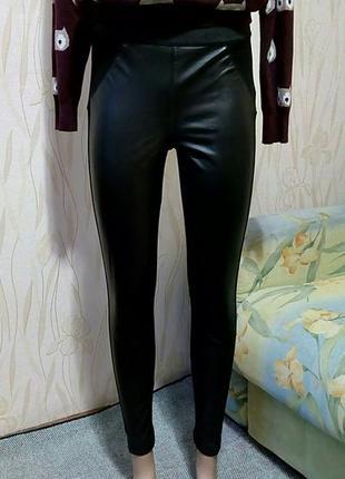 Стильные лосины с кожаными вставками new look.
