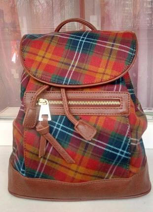 Стильный рюкзак в клетку clarks.