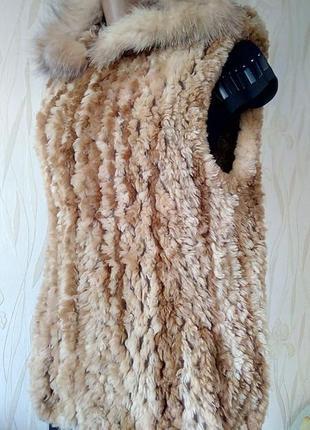 Стильный новый жилет  с натуральным мехом ручной работы paula ...