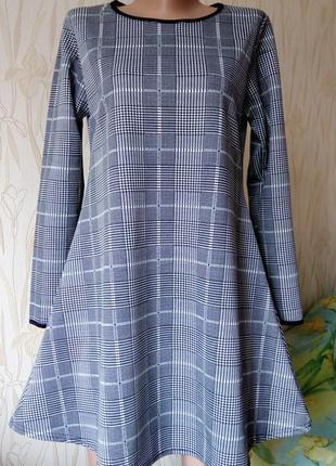 Стильное трендовое платье в клетку.