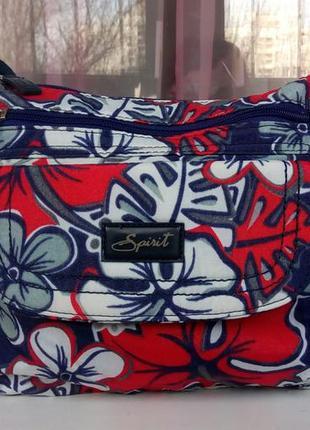 Стильная фирменная сумка cross-body  в цветочный принт spirit.