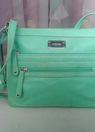 Стильная фирменная сумка мятного цвета nine west.