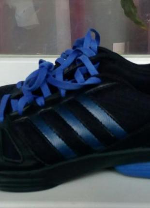 Кроссовки фирменные adidas(original).