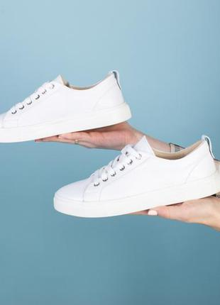 Кеды женские белые кожаные на шнурках