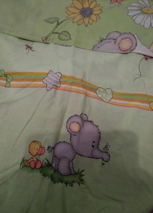 Набор постельного белья в кроватку с балдахином и держателем.