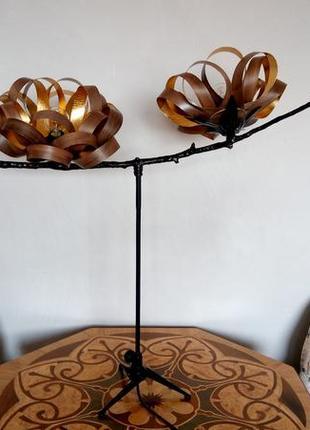 Шикарный светильник ручной работы. Дерево, золотая поталь.