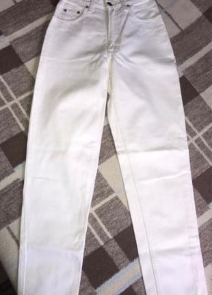 Белые джинсы Levi's (оригинал)