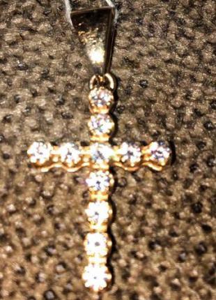 Золотой крестик 585 пробы.