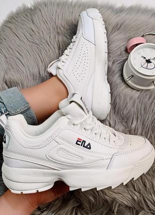 Белые кроссовки фила