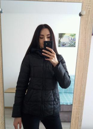 Куртка спортивна чорна