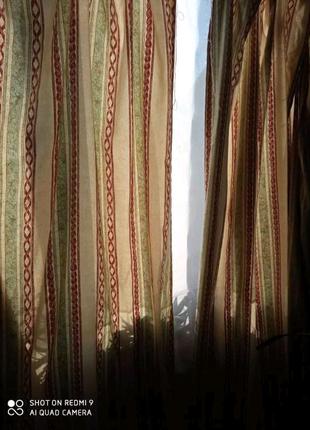 Комплект штор с лентой для крючков.