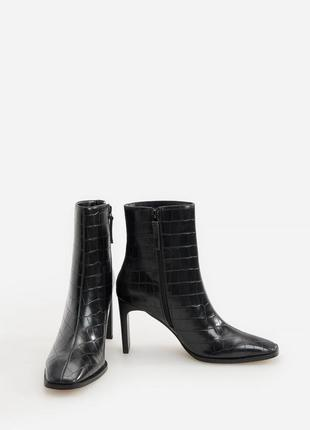 Чёрные ботинки животный принт ботильоны крокодиловая кожа сапожки
