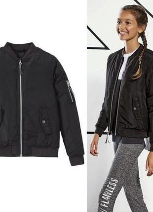 Чорна куртка весна осінь