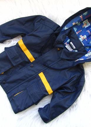 Стильная дождевик  куртка с капюшоном