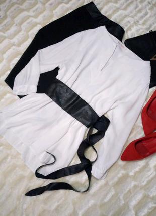 Блуза белая.