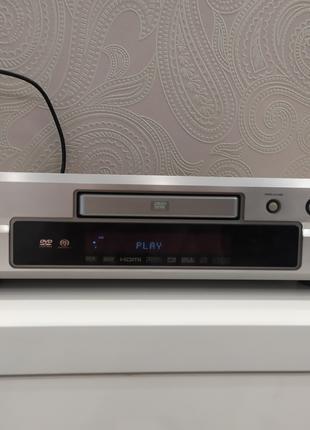 Проигрыватель dvd Denon 2910 + большая коллекция дисков